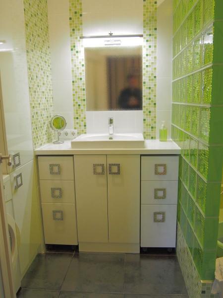 2017.08.09 Мебель в зеленую ванную